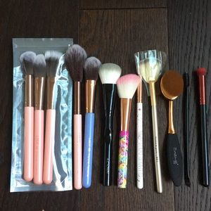 Assorted Makeup / Cosmetic Brush Set - brand New